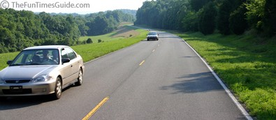 Cars on the northern end of the Natchez Trace Parkway.