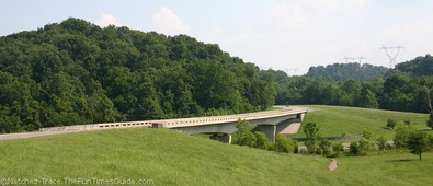 entering-the-natchez-trace-parkway.jpg