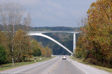 entrance-to-natchez-trace-parkway.jpg