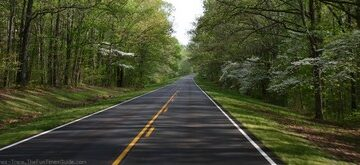 Is It A Dotted Line?… Or A Double Yellow Line?… Can You Pass On The Natchez Trace Parkway?